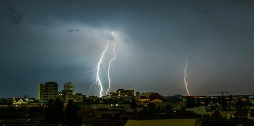 """""""Thunderstorm asthma"""" kills 4, thousands more hospitalized"""