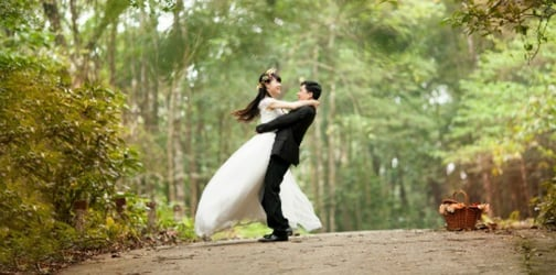 """""""Sometimes you will be miserable"""". The truth about happy marriages"""
