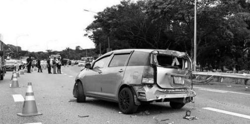 Mother of 3 dies in expressway accident