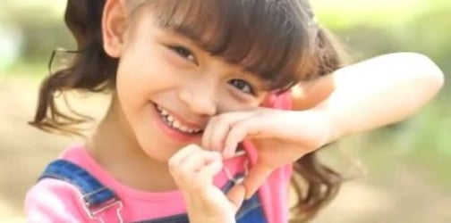 7 Consistent habits to raise genuinely kind-hearted kids