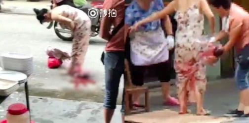 Viral video shows woman giving birth on the street before walking home
