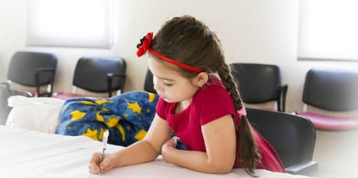 Teaching your child both Filipino and English can make them smarter