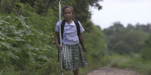 10-Year-old girl with one leg proves her disability isn't a hindrance