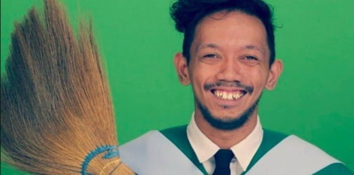 Why this graduate is proudly holding a WALIS will warm your heart!