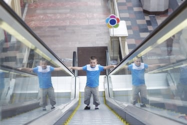 Why your kid mustn't play on escalators