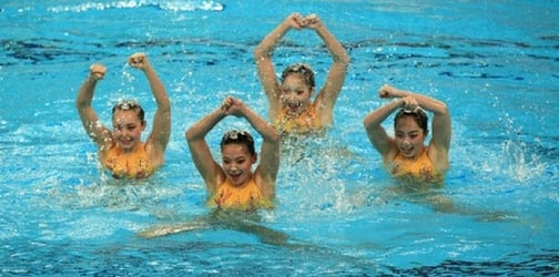Going for gold with soul: 5 synchronised swimmers make it possible!