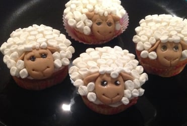 A flock of sheep cupcakes