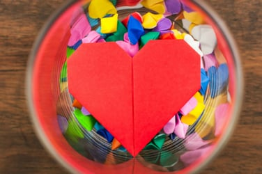 How to make an origami heart - Easy tutorial for kids!