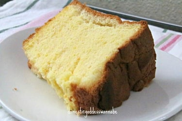 This orange chiffon cake is all you need for a sweet and happy Sunday!
