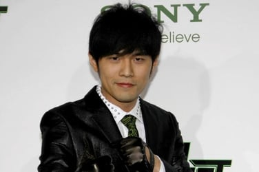 The world gets a glimpse of Jay Chou's 100-day-old daughter
