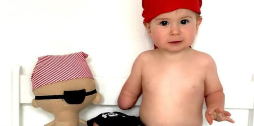 Meet Oakley Lynch, Instagram's cutest toddler with one arm