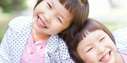 7 quirky things only parents of twins can relate to