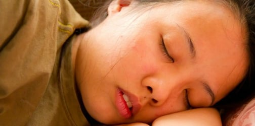 Safe sleeping positions for pregnant mums