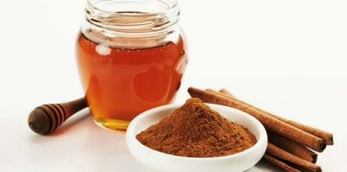 The benefits of Honey and Cinnamon: your anti-acne secret weapon