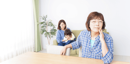 17 Subtle (and Not So Subtle) Signs Your Mother-in-law Hates You