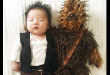 Video: Mum transforms sleeping baby with amazing game of dress-up