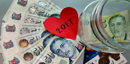Follow These 11 Hacks To Save Money In 2017!