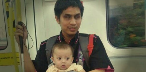 This Blind Father Takes His Baby to Childcare by Train Every Day!
