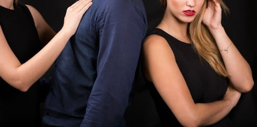 A woman runs a business by helping wives beat up their cheating husbands' mistresses