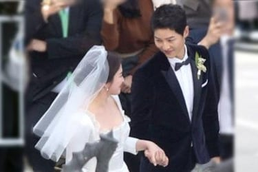 Song Joong-ki and Song Hye-kyo wed in tightly guarded wedding ceremony!