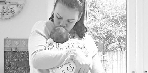 Mum who 'died' during her pregnancy gives birth four months after!