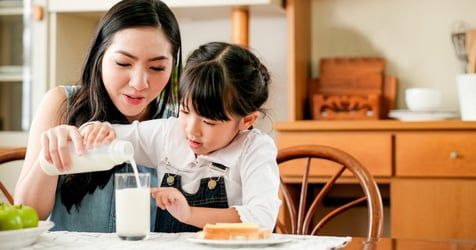 Here's Why You Should Be Giving Your Toddler A Tall Glass of Fresh Milk