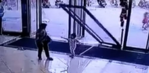 Glass door falls on toddler: Safety warning for parents