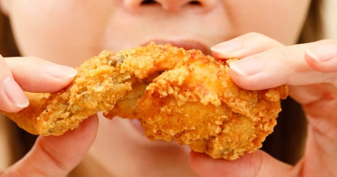 Does Eating Chicken During Pregnancy Cause Tinier Penises in Sons?