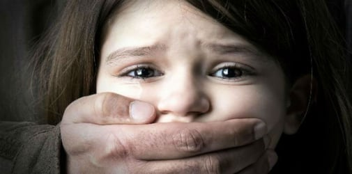 Girl kidnapped, later found begging on the street: Safety tips to prevent kidnapping
