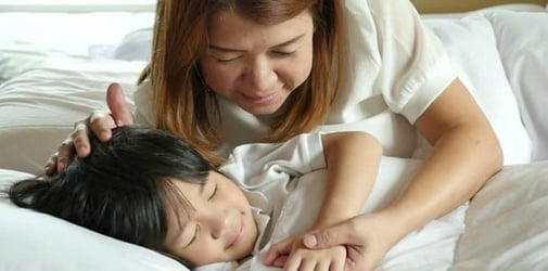 Lying Down With Your Kids Till They Sleep is Not Actually a Bad Thing