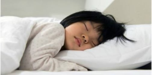 Girl, 7, Experiences Early Puberty After Sleeping With the Lights on for 3 Years