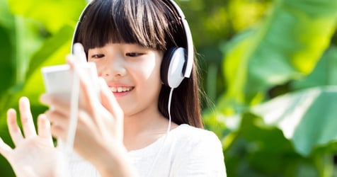 10 Fun And Educational Podcasts For Toddlers, Kids, Tweens And Teens