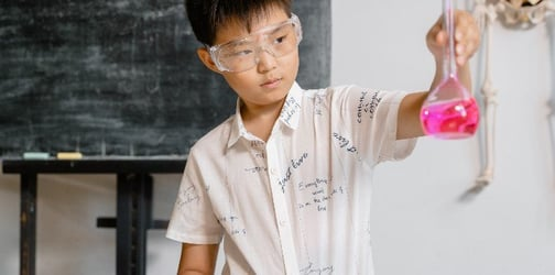 9 Science Experiments Your Kids Can Easily Try At Home