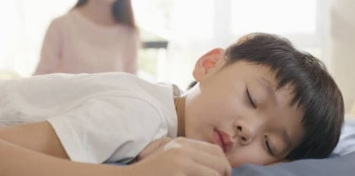 S'pore Preschoolers Get Less Sleep As They Spend More Time On Screen Devices: Study