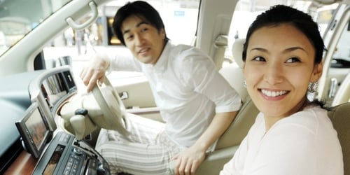 6 Hilarious Differences Women And Men Have In Choosing A Car!