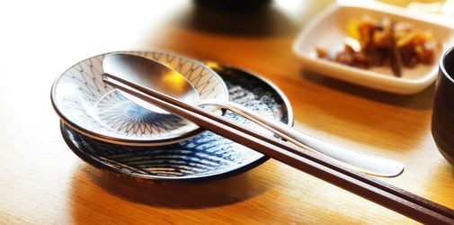 9 table setting principles in Asian dining