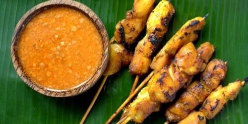 This is the one and only way to make peanut sauce for Satay Ayam