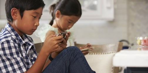 Children With Neck Problems: Too Much Time on Devices