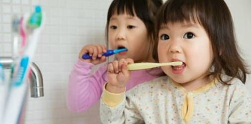 6 Effective Tooth-Brushing Tips For Toddlers