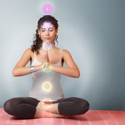 Chakra meditation during pregnancy for a beaming, positive mum!