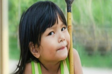 7 chores that will teach your child about responsibility