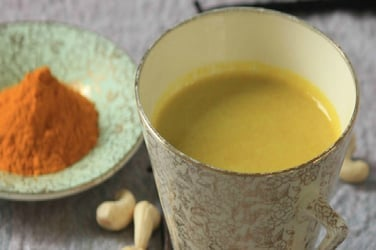 Why you should SKIP that glass of haldi dhoodh during pregnancy