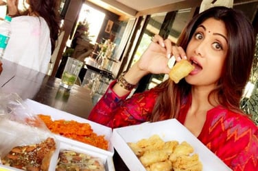 Shilpa Shetty's love for this spicy snack is perhaps the reason for her svelte figure!