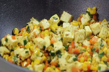 How to make vegetable paneer stir fry for toddlers and kids