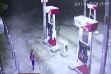 3-year-old lost toddler steps out on mom-hunt; ends up in gas station