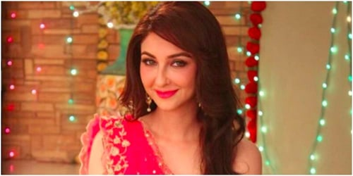 Bhabiji Ghar Par Hain star Saumya Tandon finally admits she is married and shares her first picture with hubby