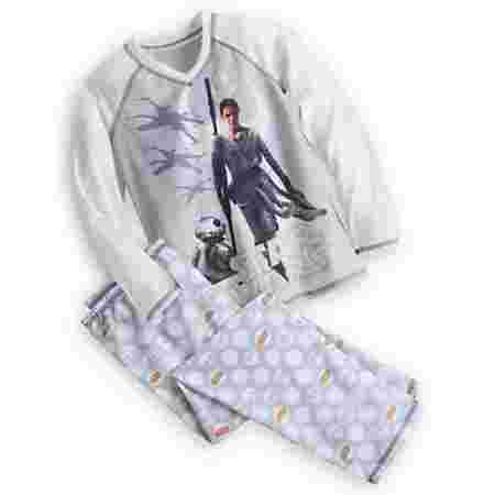 This Rey themed pajama set is perfect for your daughter! The set is cozy and has the best female protagonist in decades. You'll have a hard time telling your daughter to not wear these epic pj's