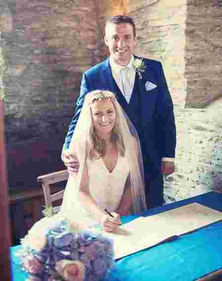 Newlywed Found Out About her Cancer when Husband Hugged Her