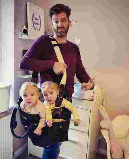funny-parenting-reality-father-of-daughter-simon-hooper-5830a298de91d__880