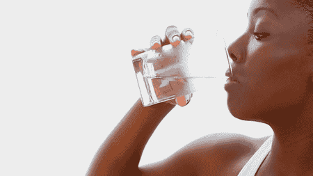 drinking hot water during pregnancy